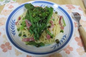 グリーンピースとのらぼう菜のペペロンチーノ